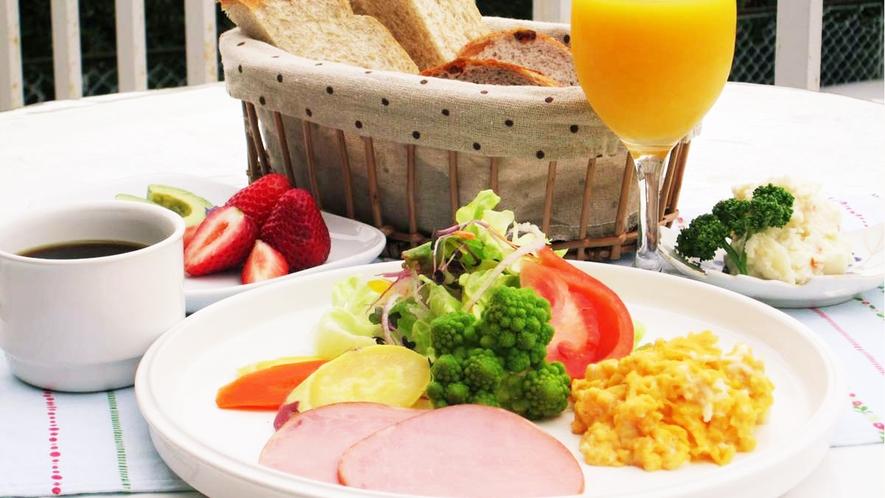 ◆天然酵母の歯ごたえのある食パン★おかわりもどうぞ♪洋朝食をご用意致します。
