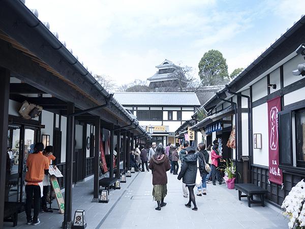 【観光】桜の馬場城彩苑