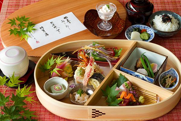 【日本料理まつり】ランチ 季節箱膳