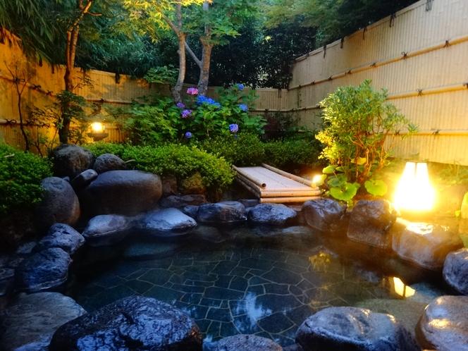 露天風呂の紫陽花