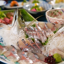 関アジの刺身はぜひ味わっていただきたい一品。