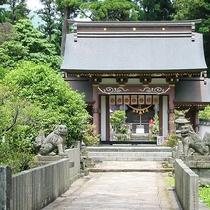 地元の人々に親しまれてきた「宇奈岐日女神社」