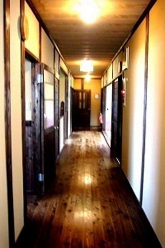 館内・廊下