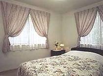 寝室(ダブル)