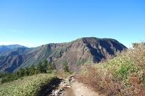 秋の苗場登山 かぐら峰から苗場山の絶景