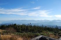 秋の苗場登山 途中からの景色