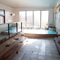 *2種類の天然温泉と麦飯石湯の合計3種類のお湯をご堪能いただけます