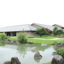 *周辺観光スポット:富山県水墨美術館