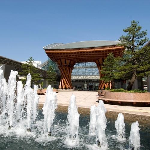 JR金沢駅兼六園口(東口)噴水