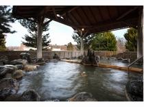 男性大浴場「錦の湯」露天風呂