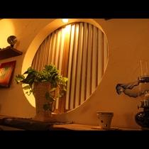リニューアルした寛ぎroomで日常を忘れるひとときをお過ごしください。