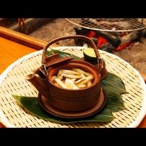 土瓶蒸しにも松茸たっぷり♪松茸の香りを心ゆくまでご堪能ください。