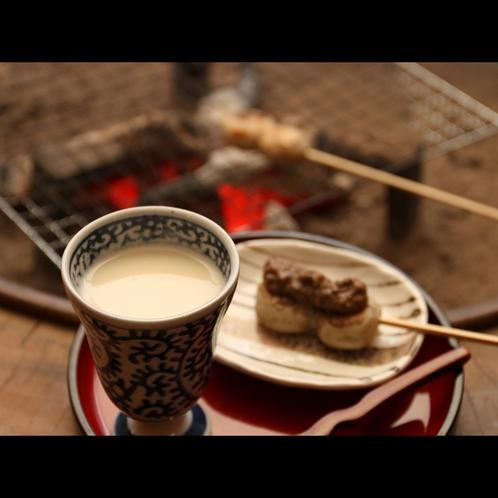 ウェルカムサービス02J 豆乳に米麹と砂糖の入った優しい甘さのドリンク