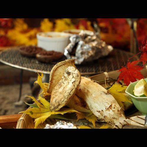 キノコの王様松茸♪秋だけの旬の味覚を住吉館流でお楽しみください。