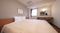 【ダブルルーム】17平米/ベッド幅200cmキングベッドを備えた1番大きなお部屋。