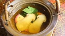 えらべるメイン料理プランCにつく松茸の土瓶蒸し