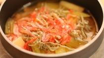 5月〜9月の釜飯は山菜の釜飯