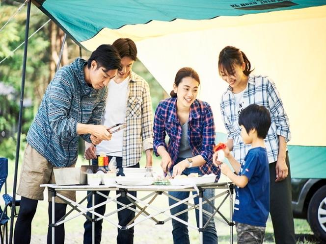 食材と道具を持ち込んで、家族でBBQ!!お休みはテント代わりに、ホテル泊。
