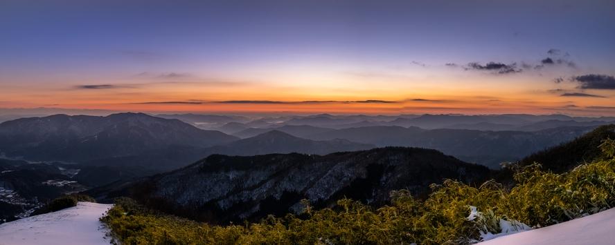 鉢伏山、山頂の夜明け