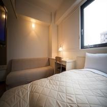 【シングル+ソファベッド】14平米。ツインルームの場合はソファーがソファーベッドに変わります。