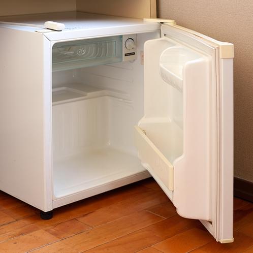 【冷蔵庫】空の冷蔵庫をご用意。ドリンク持ち込みOKです。