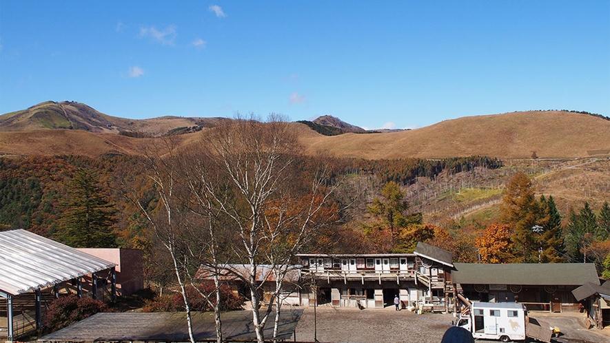 ・【グリーンフィールド】窓から車山が見渡せる絶景が印象的な客室です