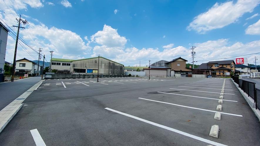 無料平面駐車場(第2駐車場)
