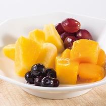 栄養価たっぷりのフルーツは一日のはじまりにおすすめ。ワッフルやヨーグルトとの相性も抜群です。