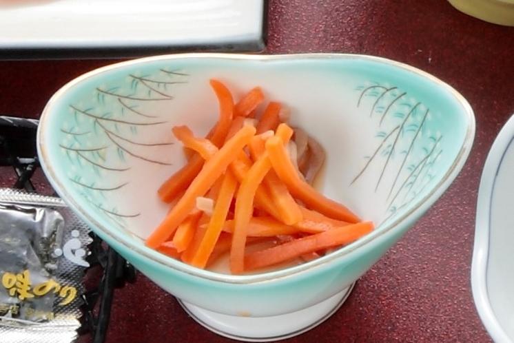 女将手作りの郷土料理 イカにんじん(朝食)