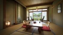 【和室】大自然を満喫できる、木の香りがする落ち着いた和室です。