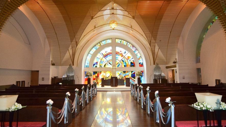 ◇【太陽の教会】キラキラと輝くステンドグラスが特徴的な「太陽の教会」