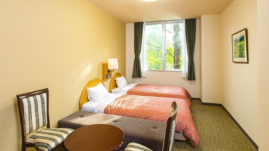 ◇【フォレストヴィラ】ハリウッドツインルーム(一例)/ベッドを並べるとダブル仕様にできるお部屋