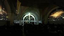 ◇【プロジェクションマッピング】教会内にて光の世界を愉しむプロジェクションマッピングを無料公開!