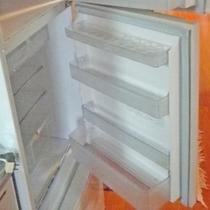 *【部屋設備】冷蔵庫/買い出した食材はこちらで保管。