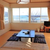 *【部屋】和室*01/オーシャンビューのお部屋で波の音を聞きながらのんびりとお寛ぎください。