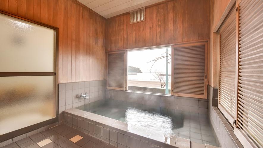 *【貸切温泉】駿河湾を見ながら源泉100%かけ流しの温泉をお楽しみください。