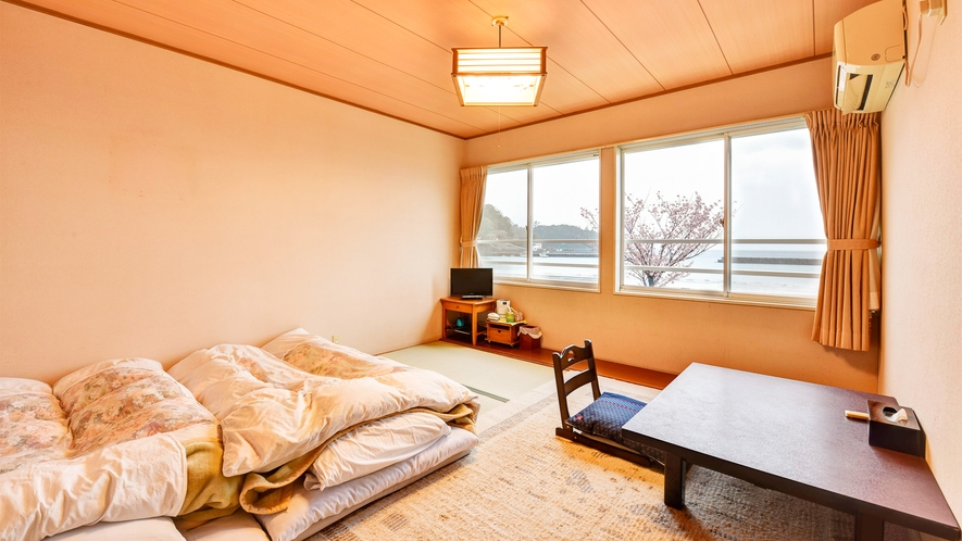 *【部屋/和室8畳】オーシャンビューのお部屋で日常のお疲れを癒してください。