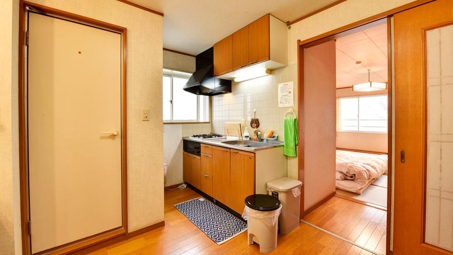*【部屋/和室10畳】ミニキッチン付きのお部屋で別荘に遊びに来たように楽しめます。