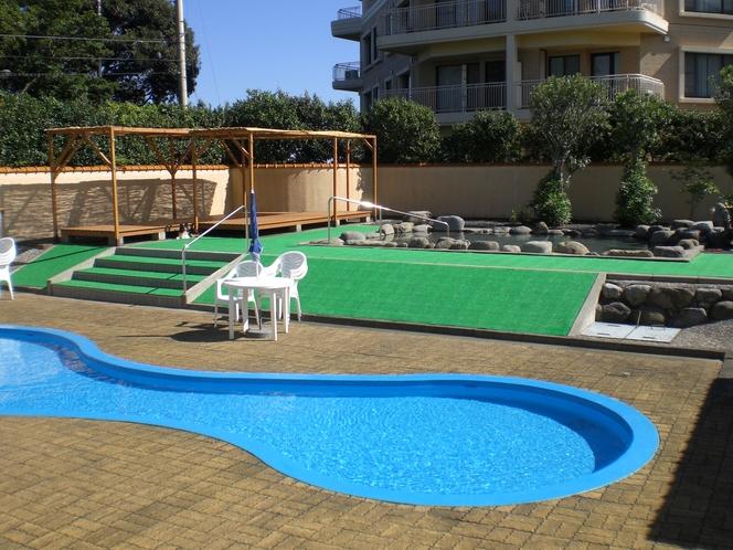 別荘地専用プール、露天風呂