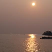 【景色】海から昇る朝日がご覧いただけます。