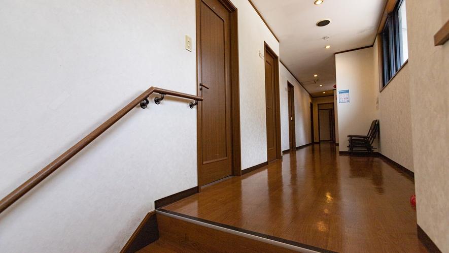 *2階 廊下
