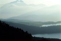 小田の池からの由布岳
