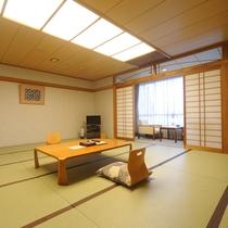 和室(18畳)※定員8名・グループ様向け・駐車場側のお部屋です
