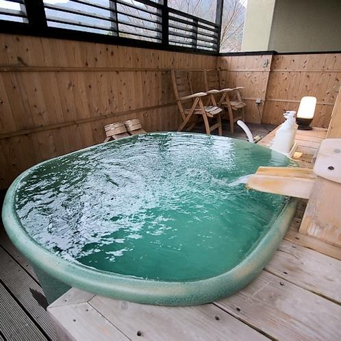 露天風呂付客室(陶器風呂)