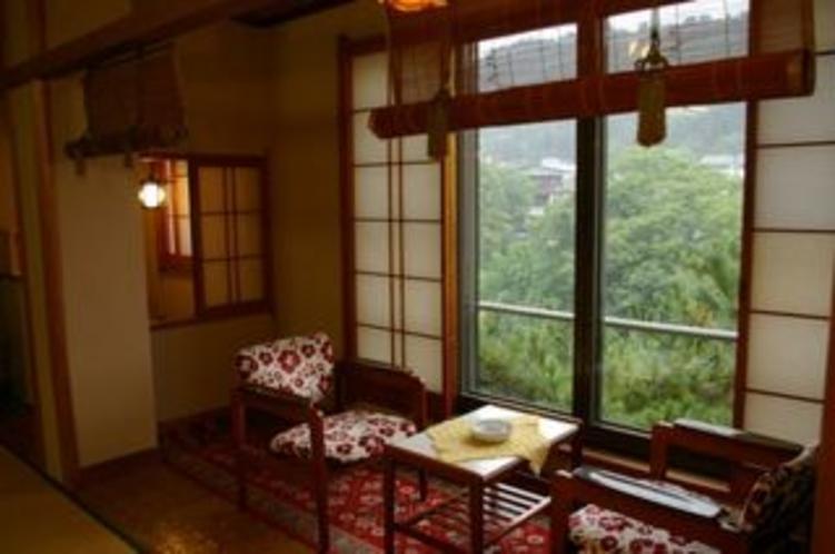 落ち着いた雰囲気の客室