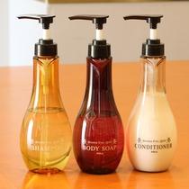 【アメニティ】甘みのあるローマンカモミールの香りでリラックス!洗い上がりも髪きしまず、サラサラ