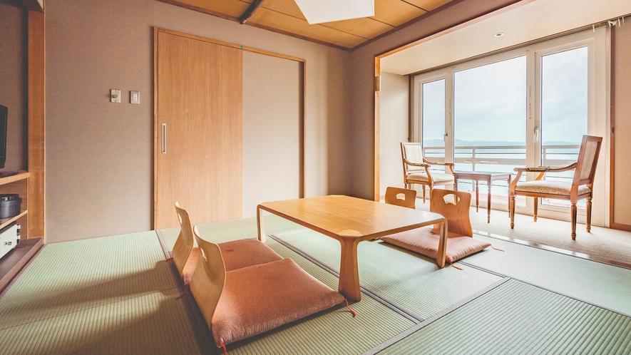 【東館】和室8畳 温泉宿定番の和室。4名の利用が可能。