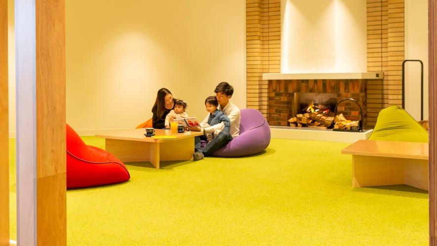 【Library&Cafe BLOSSOM COFFEE】お子様連れにも嬉しい座卓タイプのお席