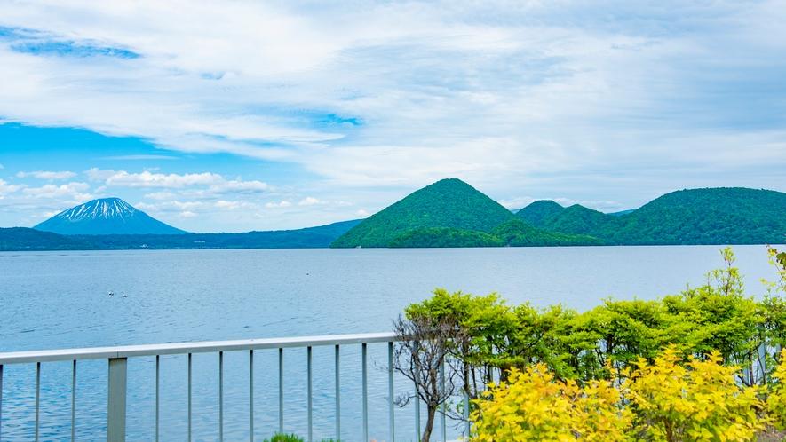 洞爺湖温泉遊歩道から眺める羊蹄山
