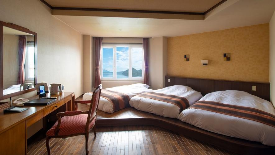 【中央館】スーペリアツイン※全室禁煙※ 高さ20センチのローベッドタイプ。3名の利用が可能な湖側客室